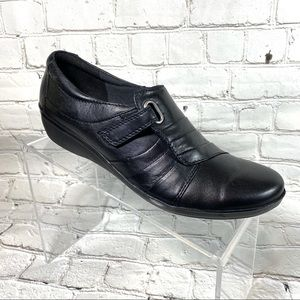 Clarks Black leather loafers sz 8.5 N